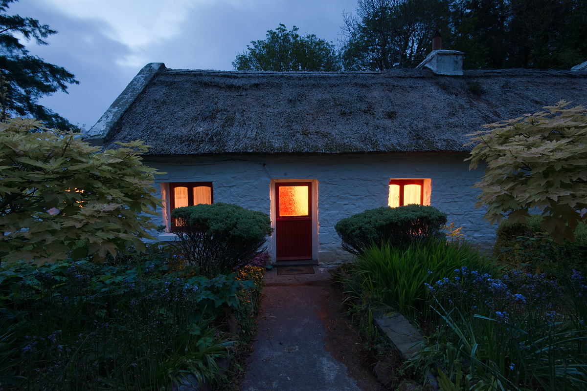 Cottage Mary Rose at dusk…